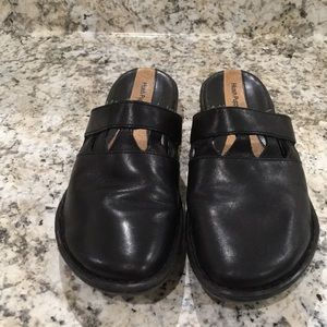 Hush Puppies Leather Clogs